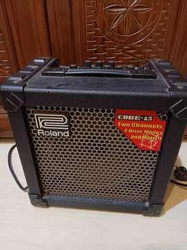 Ampli Gitar Roland Cube 15 2channel ada efek
