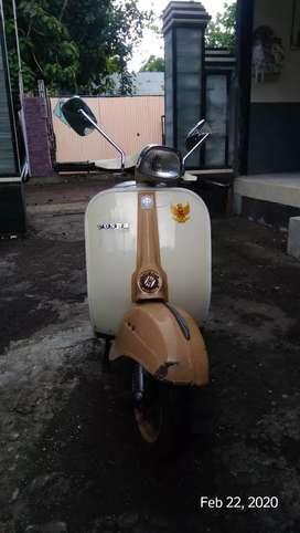 Vespa Sprint Plat Bali Hidup