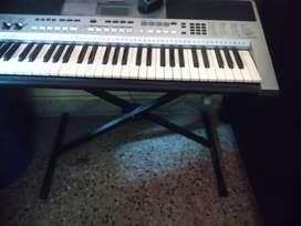 Yamaha PSR-  I455 musical keyboard