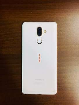 Nokia 7 plus 64gb 6gb ram only one year old. Orginal price was 28,000₹