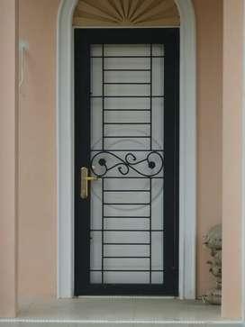 Pintu pengaman 1527