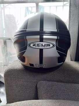 Helm Zeus 610 UK L