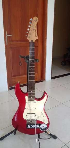 Gitar elektrik yamaha pacifica