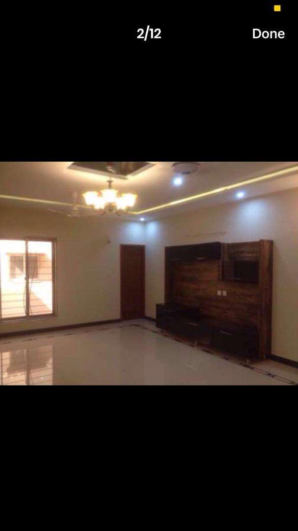 8 Marla saffari Villas Neat and clean ful house for rent in bahria 0