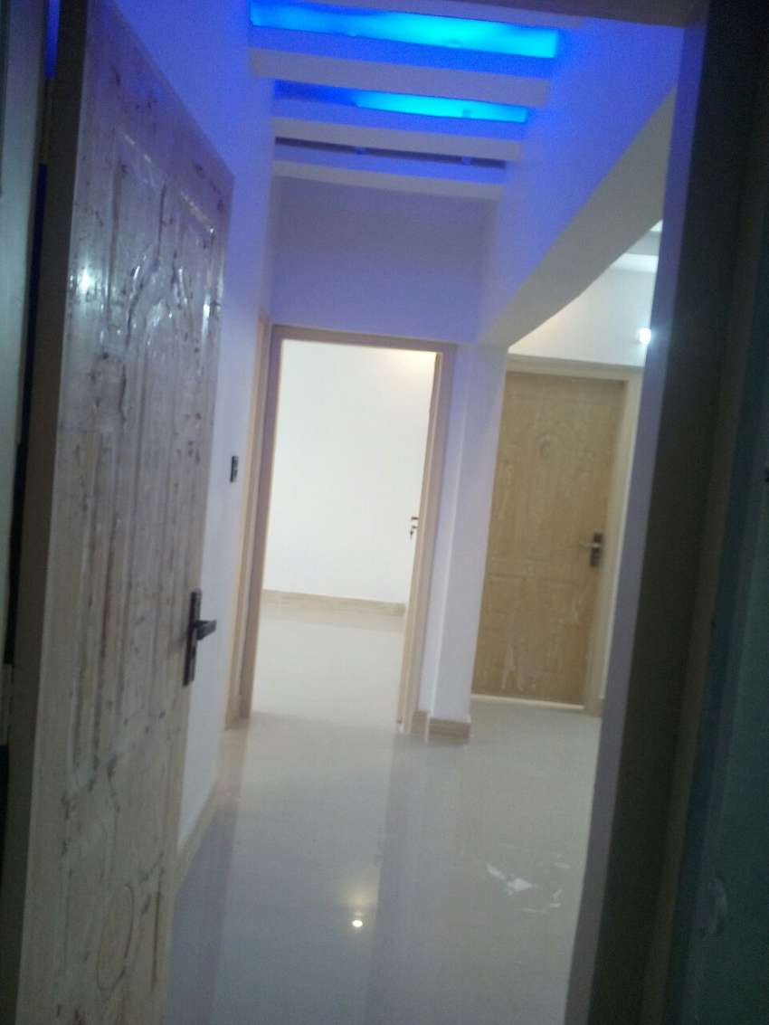 1\unit\house  Gulshan, at Block:2 area 400:yds 0