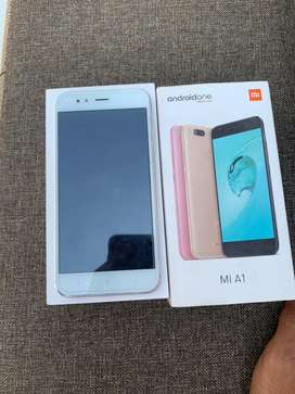 Mi A1 4gb 64gb in 100% condition with box and charger.