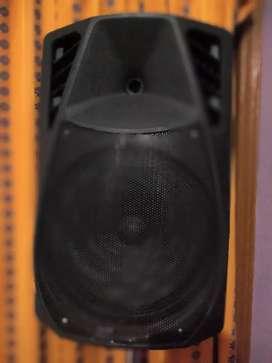 Karoke speaker in excellent condition