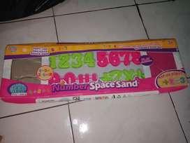 Mainan pasir pasiran anak