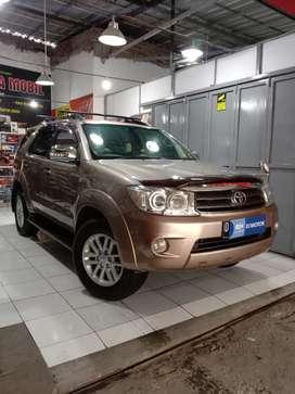 Toyota Fortuner 2.7 V 4x4 matic bensin 2005