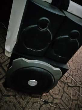 FULL HD woofers with clear sound.