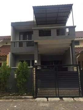 Rumah pakuwon city depan east coast mall dekat its mulyosari gloria