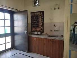 1 room with attached kithen at chitrakoot, vaishali nagar