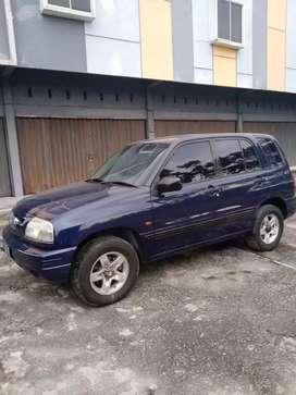 Dijual Suzuki Escudo 1.6 th 2005 4 X 4