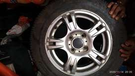 Hundai i10car wheels