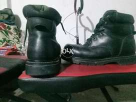 I'm selling my branded shoes