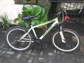 Sepeda gunung melano siap gowes