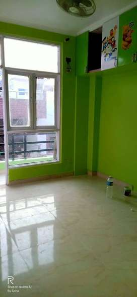 2bhk flat in palam vihar extantion 18 lac only