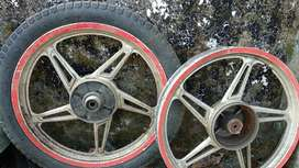 Alloy wheels of TVS Star City