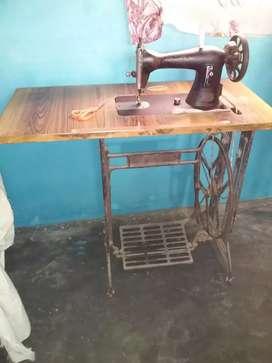 SEWING & ZIG ZAG MACHINE