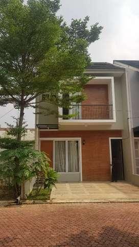 Dijual rumah mewah dalam cluster di Jatiwaringin Jakarta Timur.