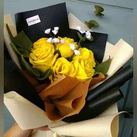Buket bunga mawar kain flanel