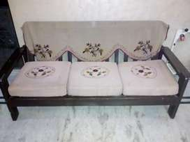 5 seater(3+1+1) sofa on sale. Price not Negotiable