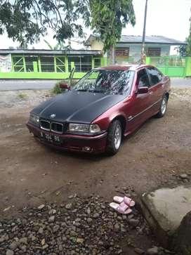 BMW E36 318I  mesin bagus