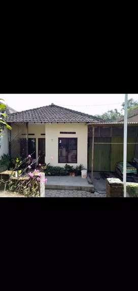 Rumah asri siap huni di Pesanggrahan kota batu