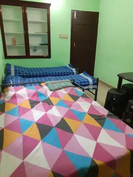 Pg available for girls in Thrissur near mg road