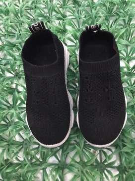 Sepatu black sport girl size 26