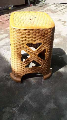 stool low price
