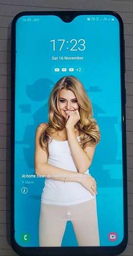 Samsung M20  -78277.9,6.854