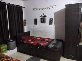 Need girls for two bhk in old mhada for rs 5500