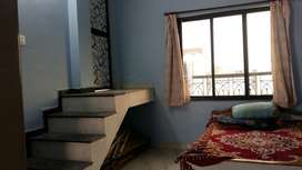 Single fully furnished room for working or professionals