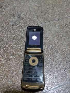 Motorola v8 edisi terbatas