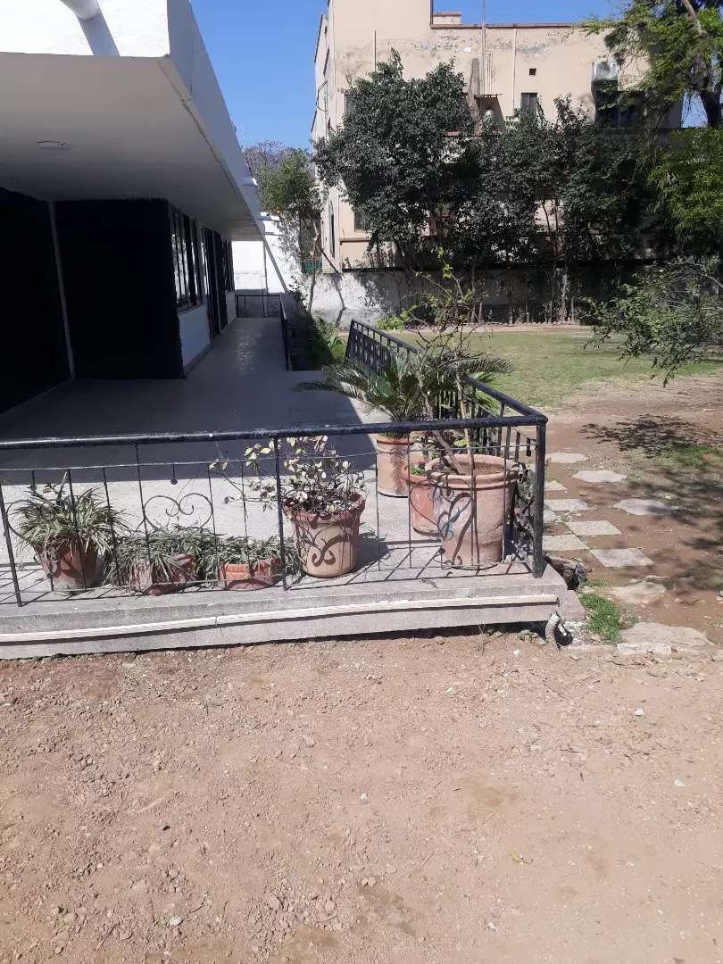 F-8 single story house for rent for foreigners only