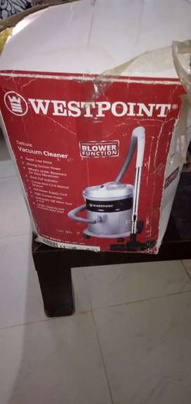 Deluxe west point WF-104 vacuum cleaner