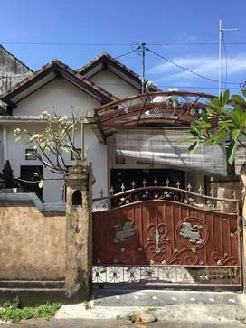 Disewakan Rumah Lantai 1 di Tedung Pusat Kota Gianyar