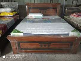 """Yrk.brand new. queen size cot..5x6""""3"""