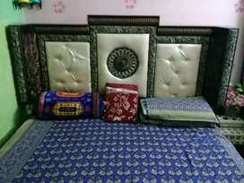 Good condition bedroom set for sall