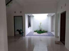 #Rumah Dijual 2 Lantai : Condong Catur, Utara Rumah Sakit JIH