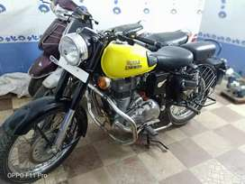 Royal Enfield classic 350 Golden yellow