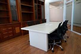 Ruang Kantor Bandung (kapasitas 6-8 orang)