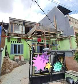 Dijual Rumah minimalis siap huni 2 lantai full renov di duta harapan.