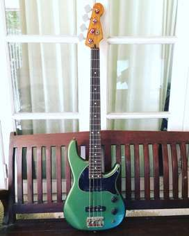 Jual Bass Fender Electric (Fender URGE) Stu Hamm Series