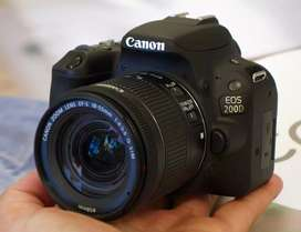 Kamera Canon 200D