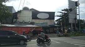DIJUAL bangunan letak tengah kota di hook