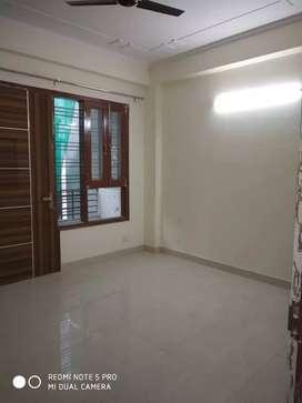 2 BHK builder floor in Saket for rent