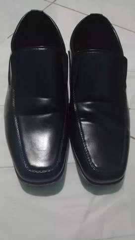 Jual Rugi, baru 3x pakai Sepatu Kulit Fladeo