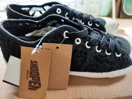 Sepatu Hitam Brokat 38 Shoopen